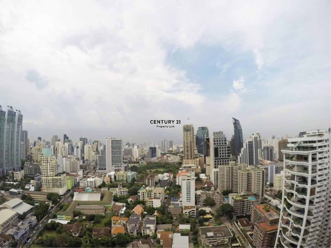 Century21 Property Link Agency's 39-CC-61512 Park 24 Room For Sale/ Rent 1 Bedroom Near BTS Phrom Phong Sale price 7.57MB./ 28,000THB/ month 7