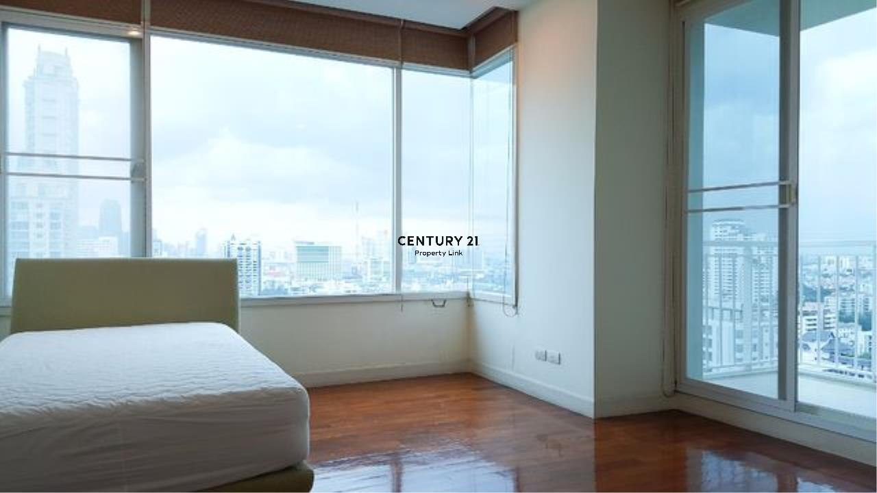Century21 Property Link Agency's 39-CC-61542 Baan Siri 31 Room For Sale 3 Bedroom Nearby Phrom Phong BTS Sukhumvit Road Hot Deal Sale price 17.1 MB.  4