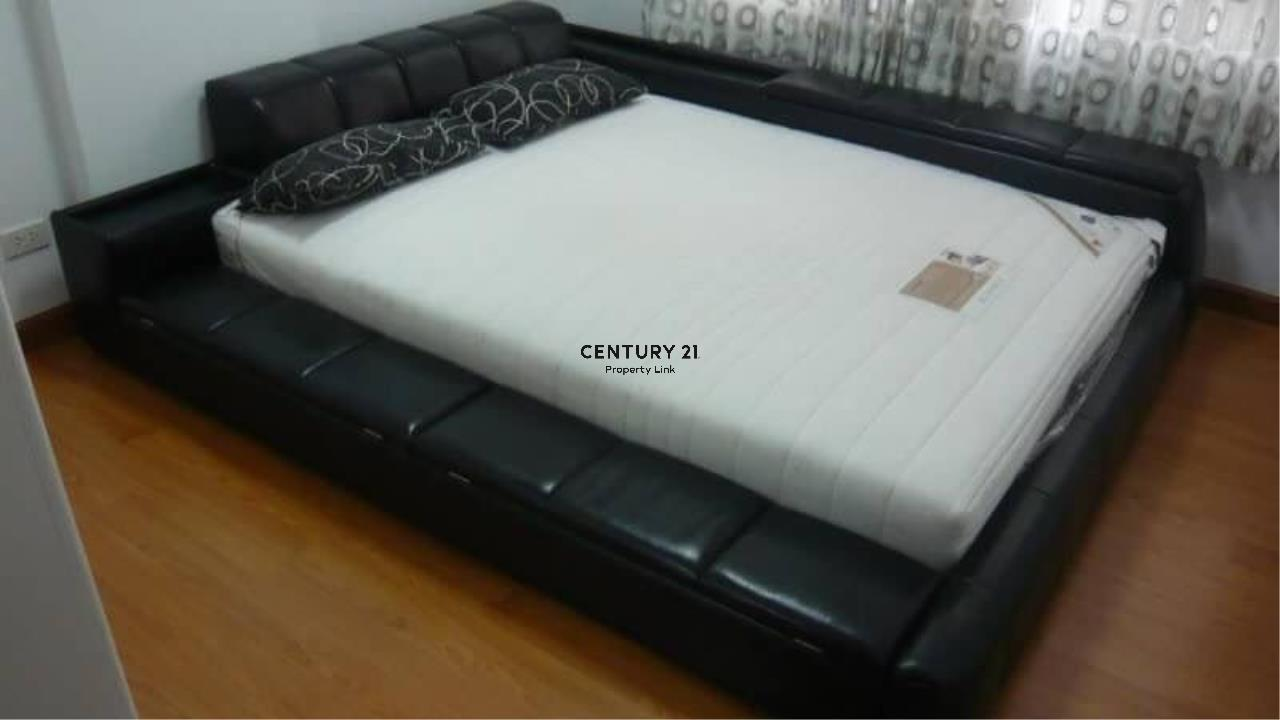 Century21 Property Link Agency's 39-CC-61545 Chateau In Town Ratchada 17 Near Huai Khwang MRT Ratchadapisek Road Room For Rent 2 Bedroom Rental 18,000THB / month  2