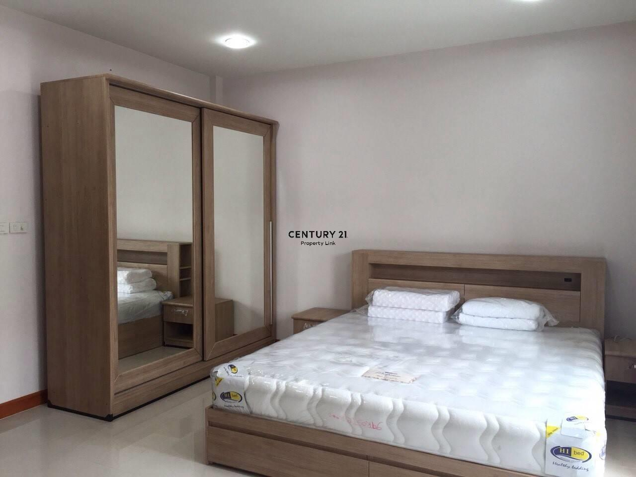 Century21 Property Link Agency's 39-TH-61033 Townhome Sukhumvit for rent Townhouse Bangkok Sukhumvit  71 Road Near BTS On Nut Rental 35,000 THB./ month 1
