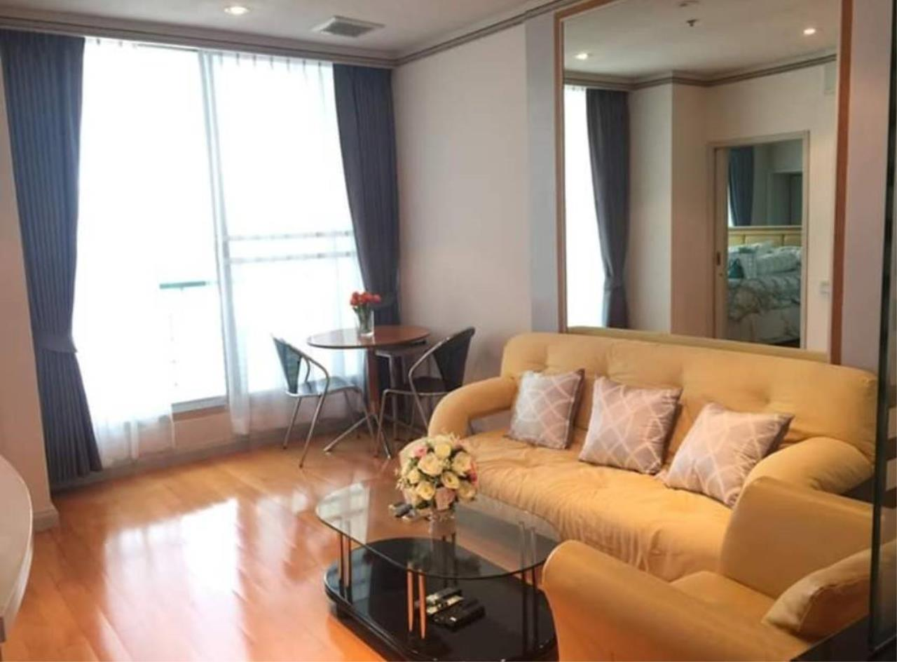 First Choice Properties by Su Agent Agency's S240  SATHORN HOUSE for rent 22,000/month 1bedroom  54 sq.m. 4