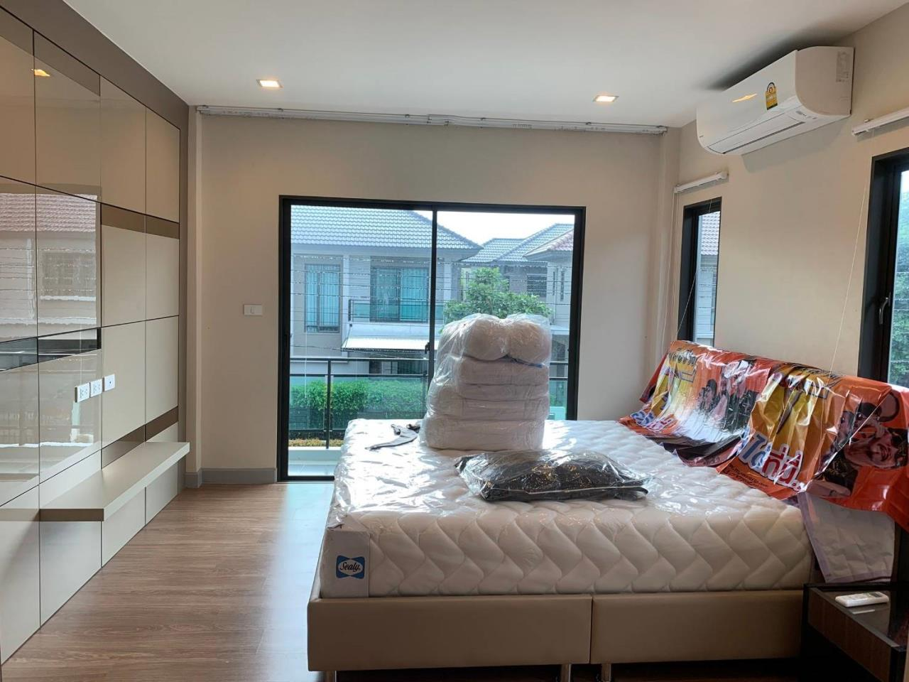 First Choice Properties by Su Agent Agency's S241  Life Bangkok Boulevard Wongwaen – Rama 9 sale 8.5 MB  51 sq.w.  4bedroom 3