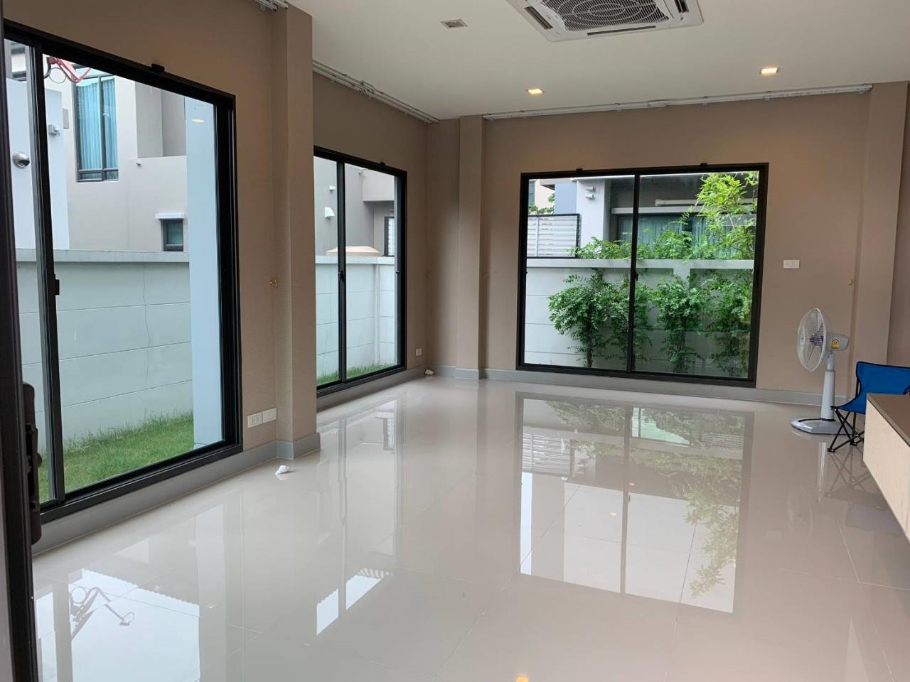 First Choice Properties by Su Agent Agency's S241  Life Bangkok Boulevard Wongwaen – Rama 9 sale 8.5 MB  51 sq.w.  4bedroom 11