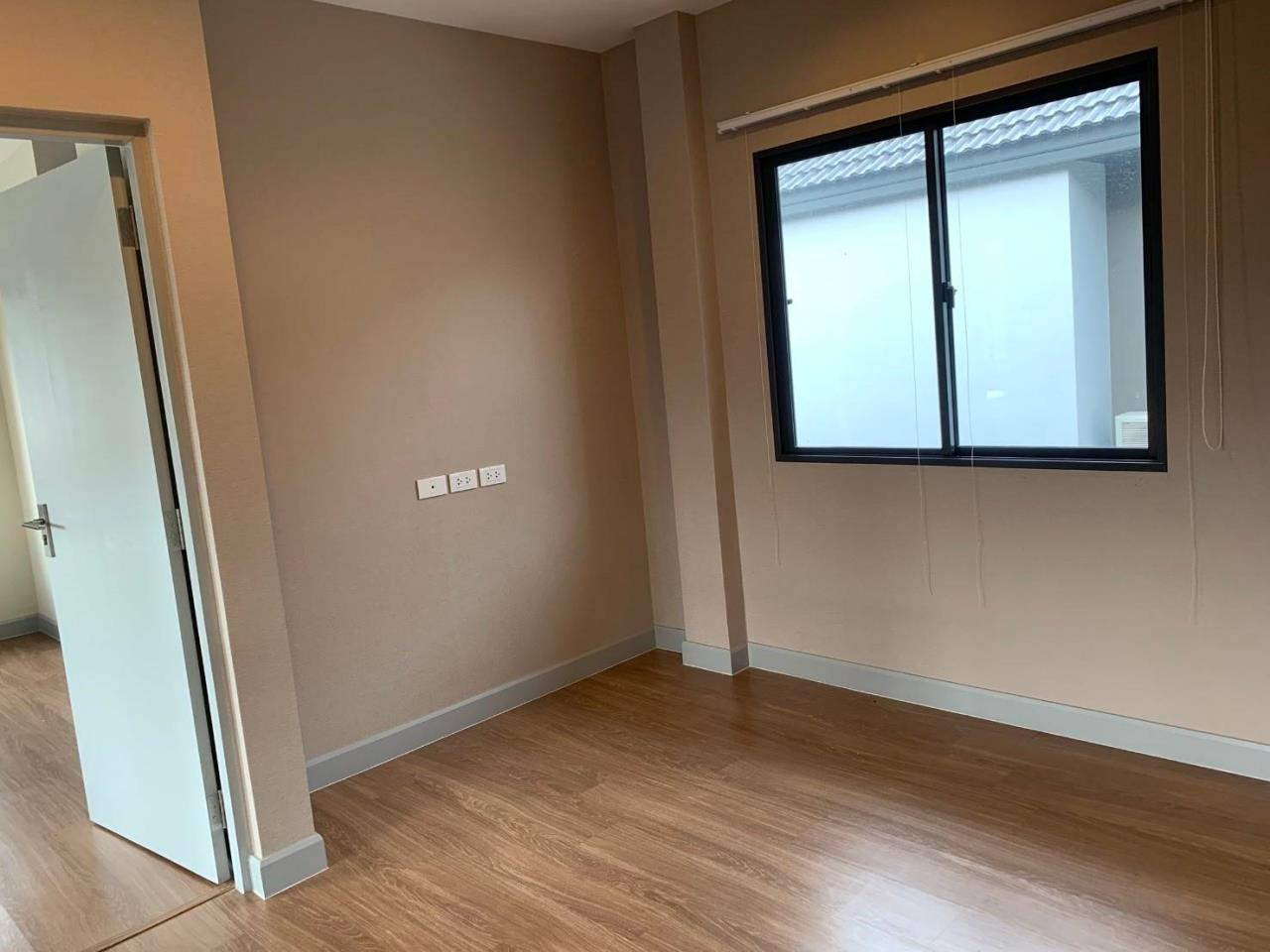 First Choice Properties by Su Agent Agency's S241  Life Bangkok Boulevard Wongwaen – Rama 9 sale 8.5 MB  51 sq.w.  4bedroom 14