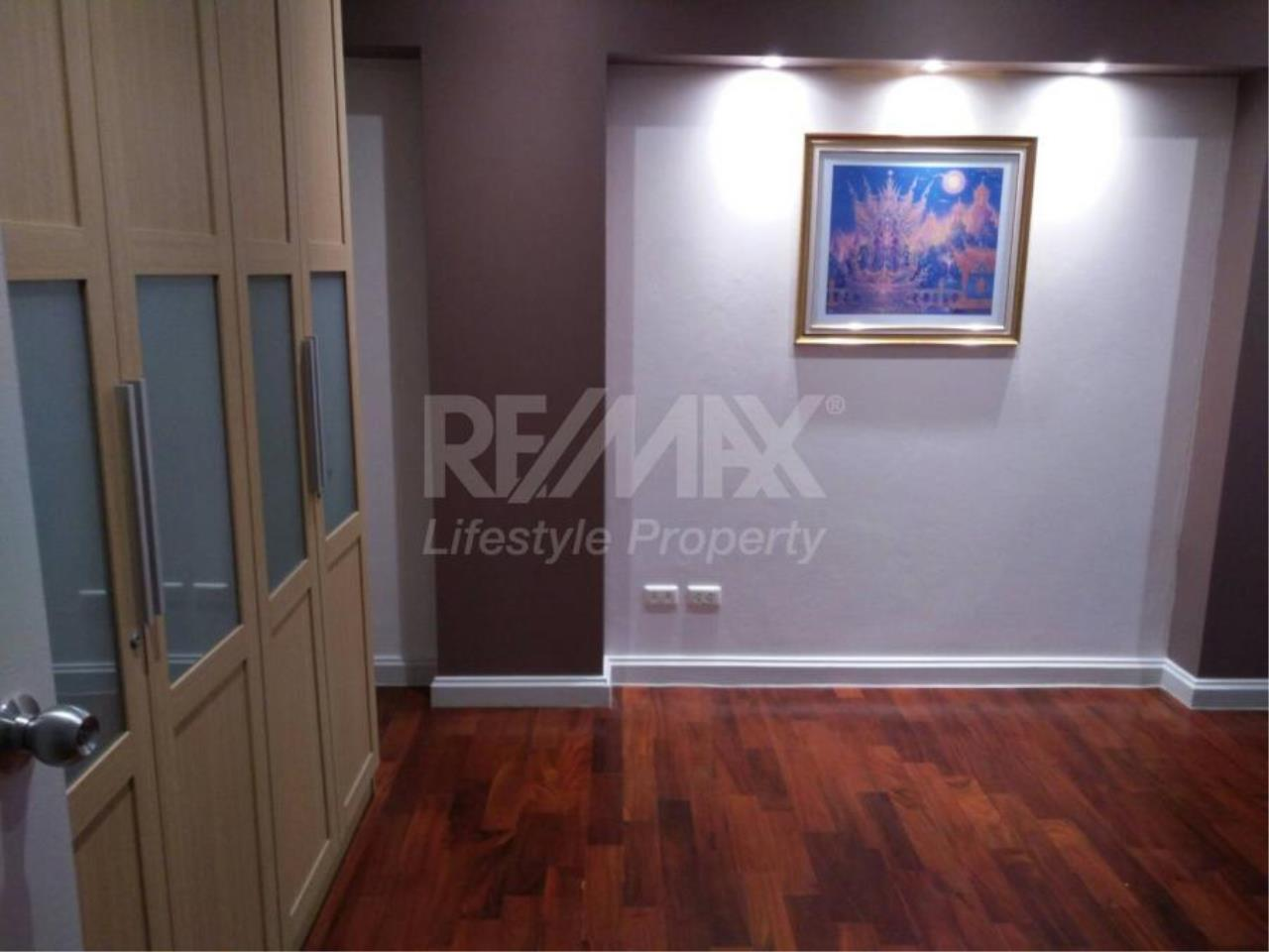 RE/MAX LifeStyle Property Agency's 49 Plus 2
