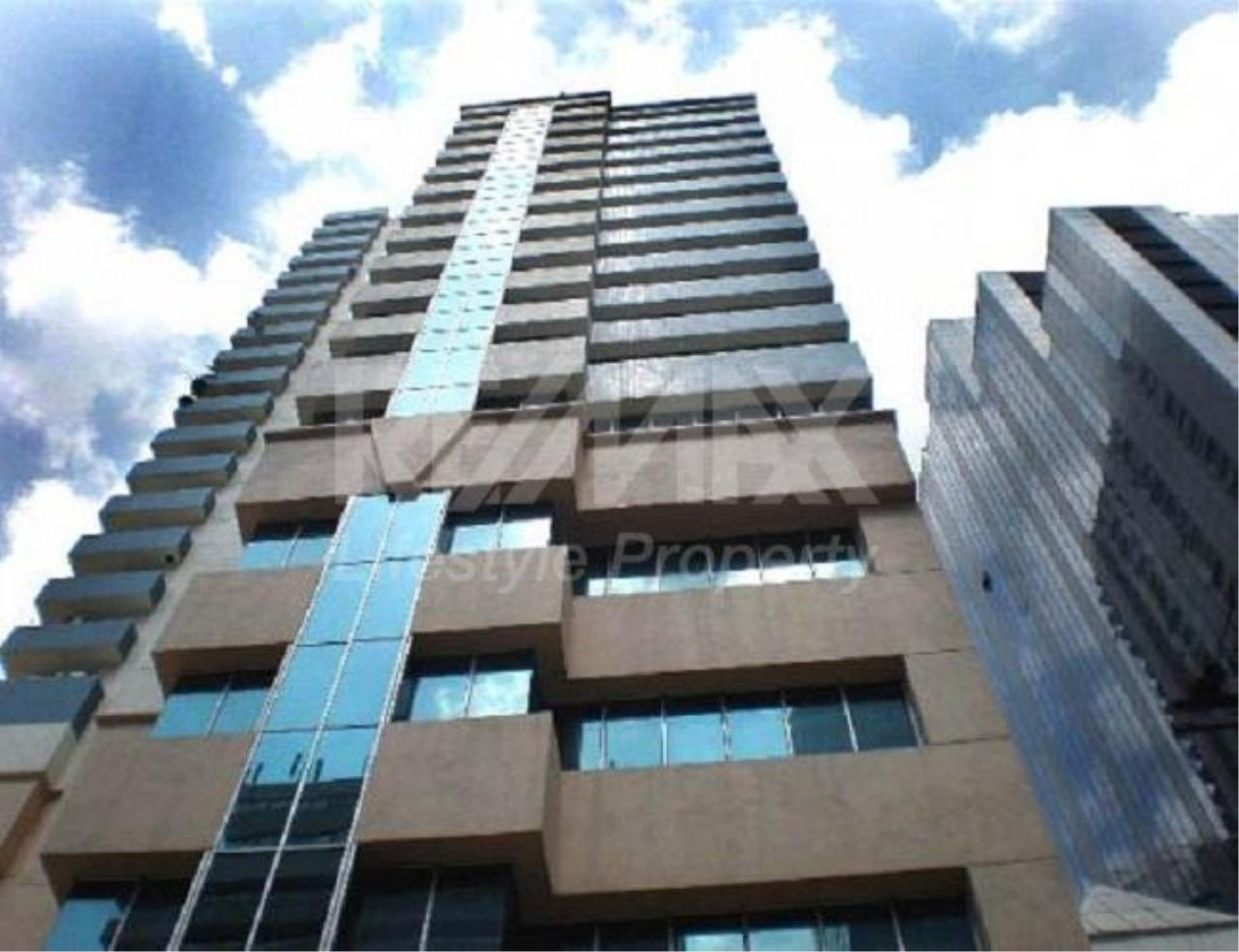RE/MAX LifeStyle Property Agency's Asoke Place 11