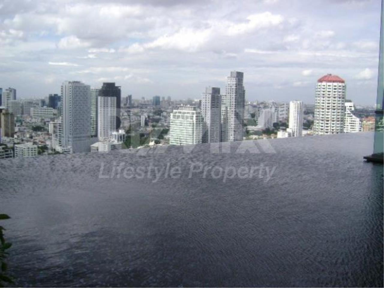 RE/MAX LifeStyle Property Agency's The Crest Sukhumvit 34 1