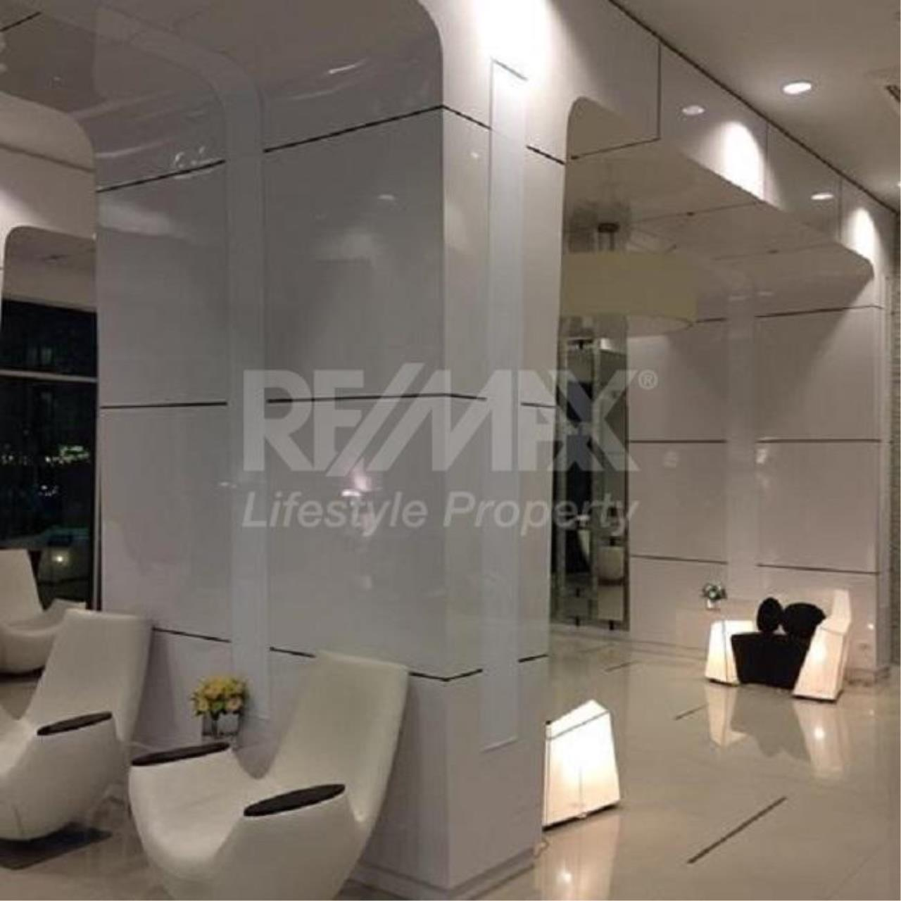 RE/MAX LifeStyle Property Agency's Supalai Park Ekkamai-Thonglor 4
