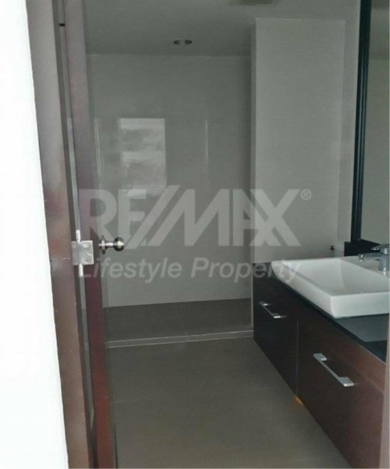 RE/MAX LifeStyle Property Agency's Abstracts Phahonyothin Park 5