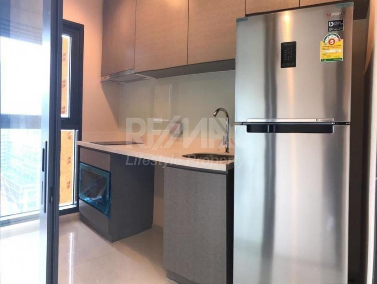 RE/MAX LifeStyle Property Agency's Rhythm Sukhumvit 36-38 5
