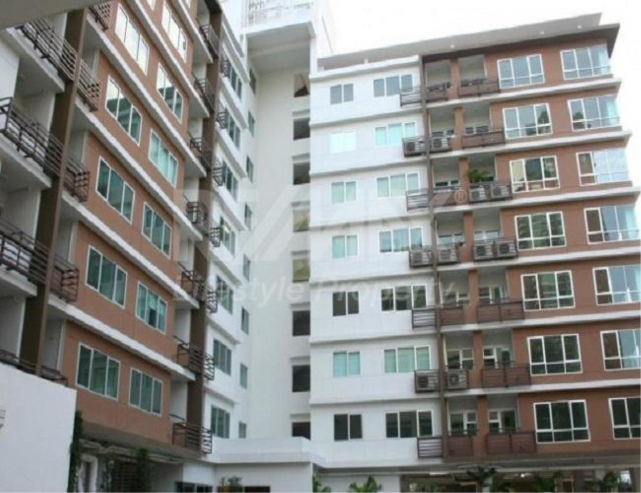 RE/MAX LifeStyle Property Agency's Condo One Thonglor 1