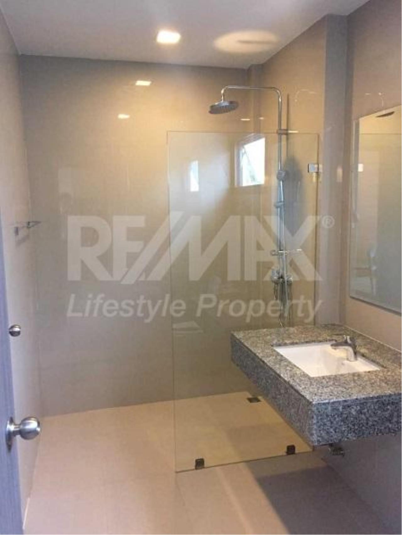 RE/MAX LifeStyle Property Agency's Apartment Sukhumvit 50 2
