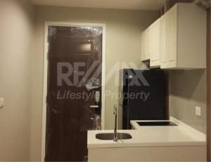 RE/MAX LifeStyle Property Agency's Condolette Dwell Sukhumvit 26 2