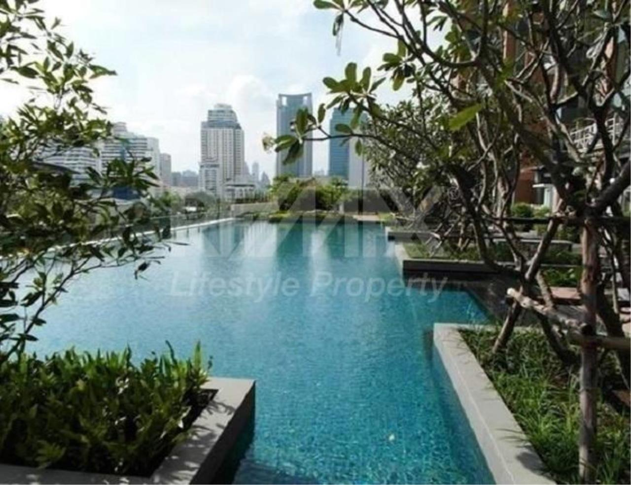 RE/MAX LifeStyle Property Agency's Villa Asoke 3