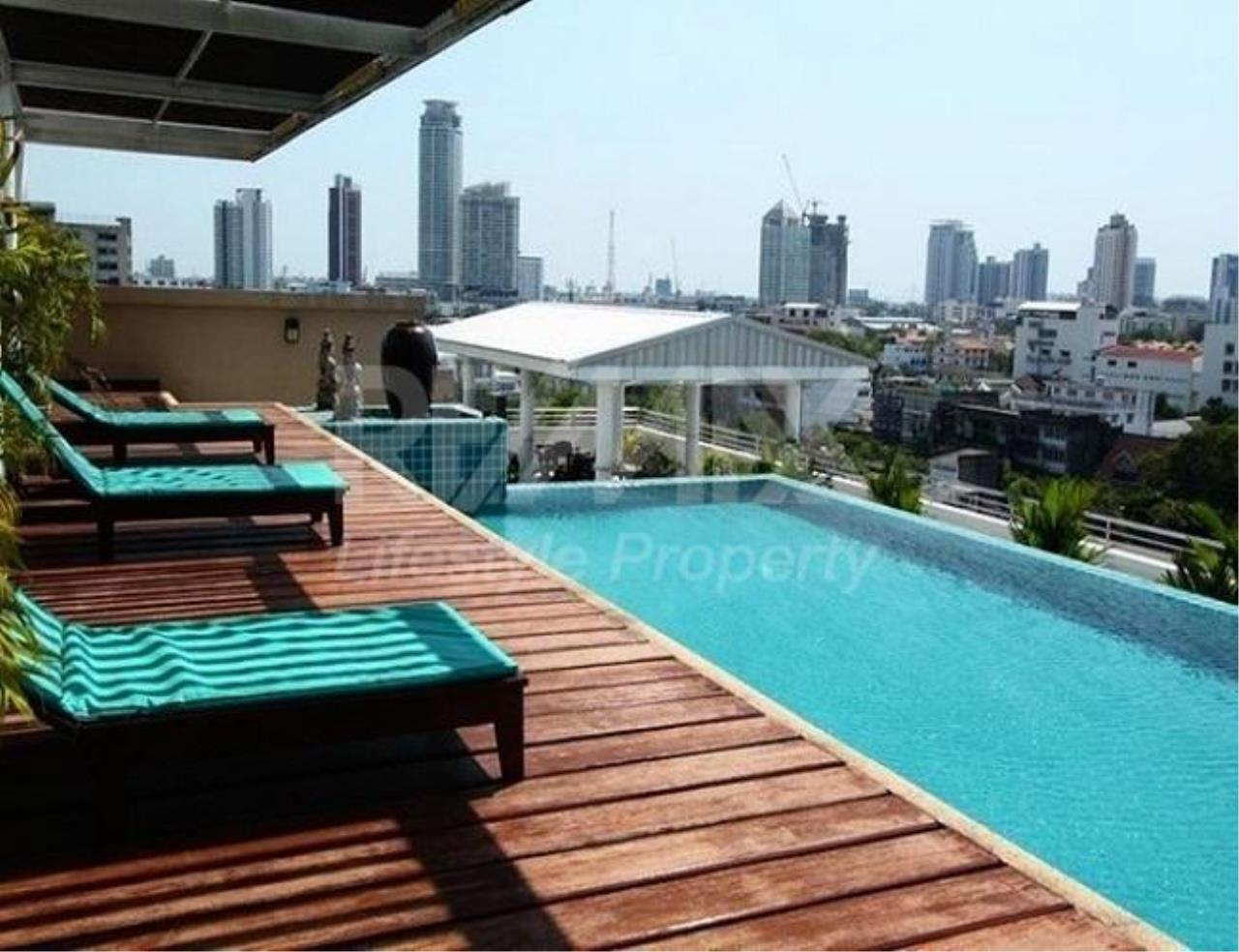 RE/MAX LifeStyle Property Agency's Sarin Suites Sukhumvit 2