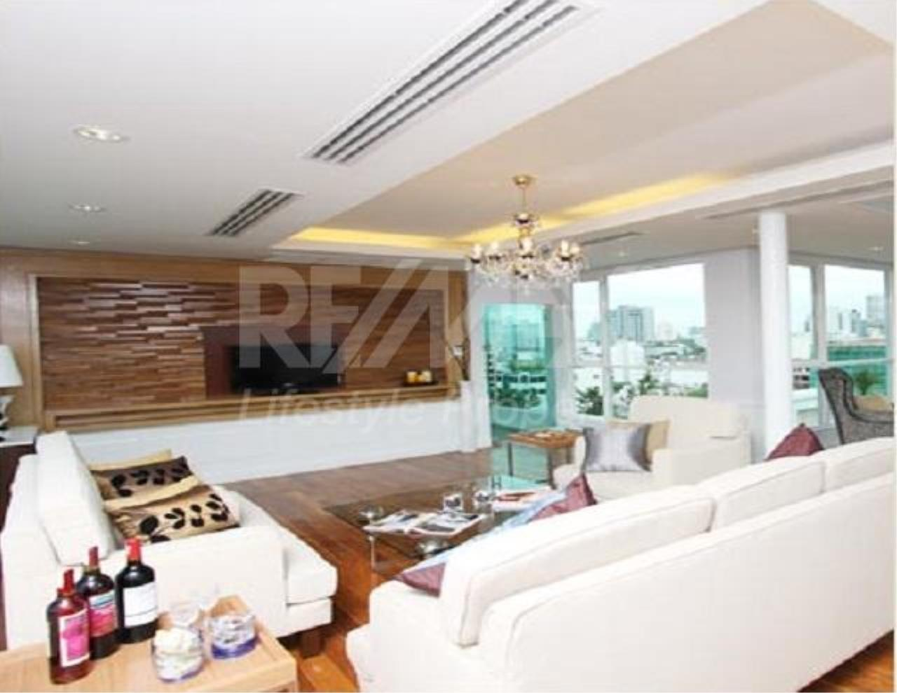 RE/MAX LifeStyle Property Agency's Apartment Thonglor 8