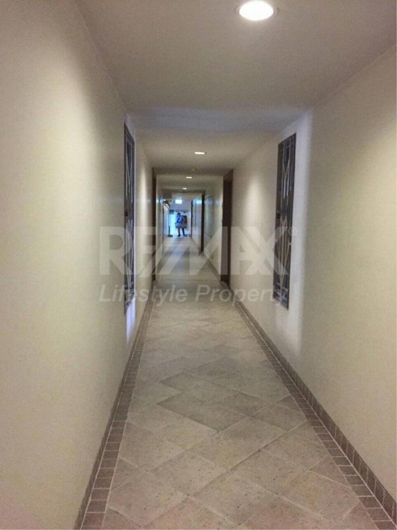 RE/MAX LifeStyle Property Agency's Baan Siri Ruedee 3