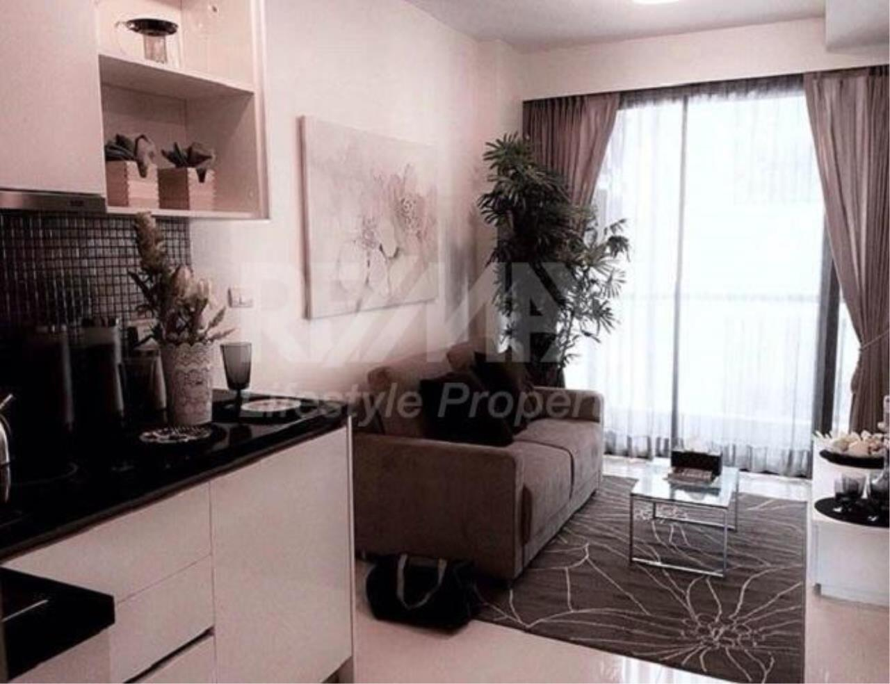 RE/MAX LifeStyle Property Agency's Le Cote Thonglor 8 7