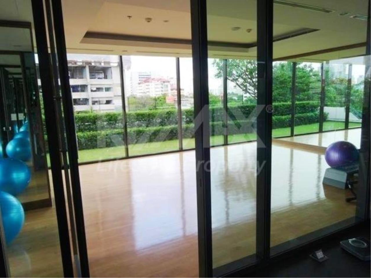 RE/MAX LifeStyle Property Agency's Villa Asoke 10