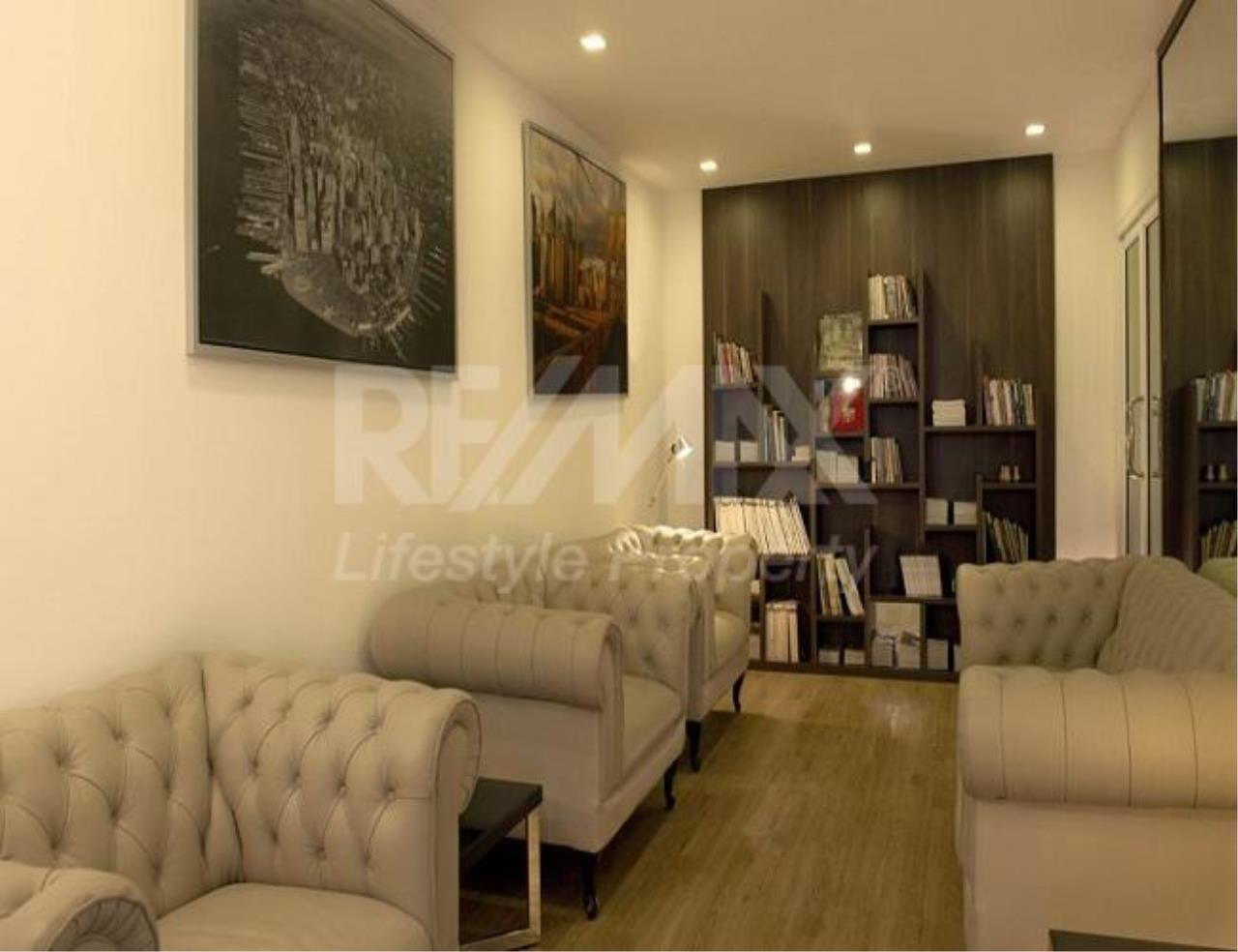 RE/MAX LifeStyle Property Agency's Tree Condo LUXE Sukhumvit 52 8