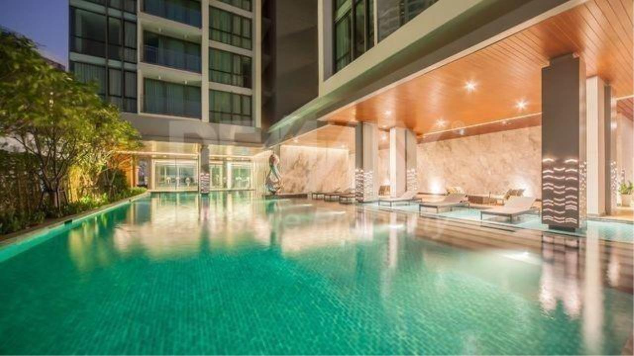 RE/MAX LifeStyle Property Agency's The Room Sukhumvit 69 9