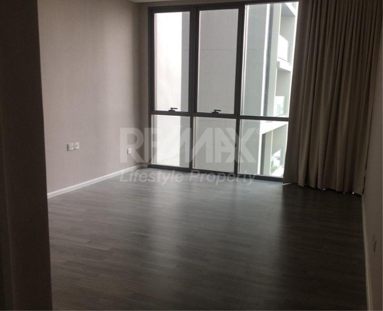 RE/MAX LifeStyle Property Agency's The Room Sukhumvit 69 2
