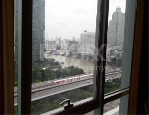 RE/MAX LifeStyle Property Agency's Baan Sathorn Chaophraya 5