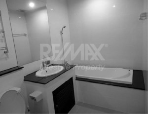 RE/MAX LifeStyle Property Agency's The Amethyst Sukhumvit 39 8