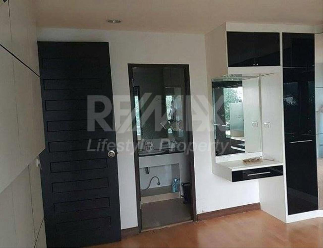 RE/MAX LifeStyle Property Agency's The Amethyst Sukhumvit 39 9