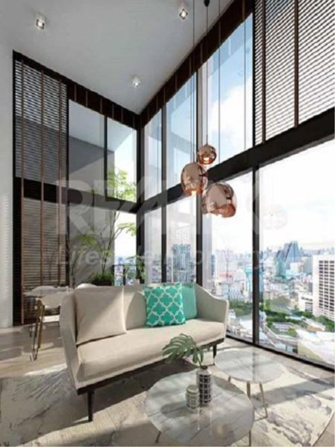 RE/MAX LifeStyle Property Agency's The Lofts Silom 1