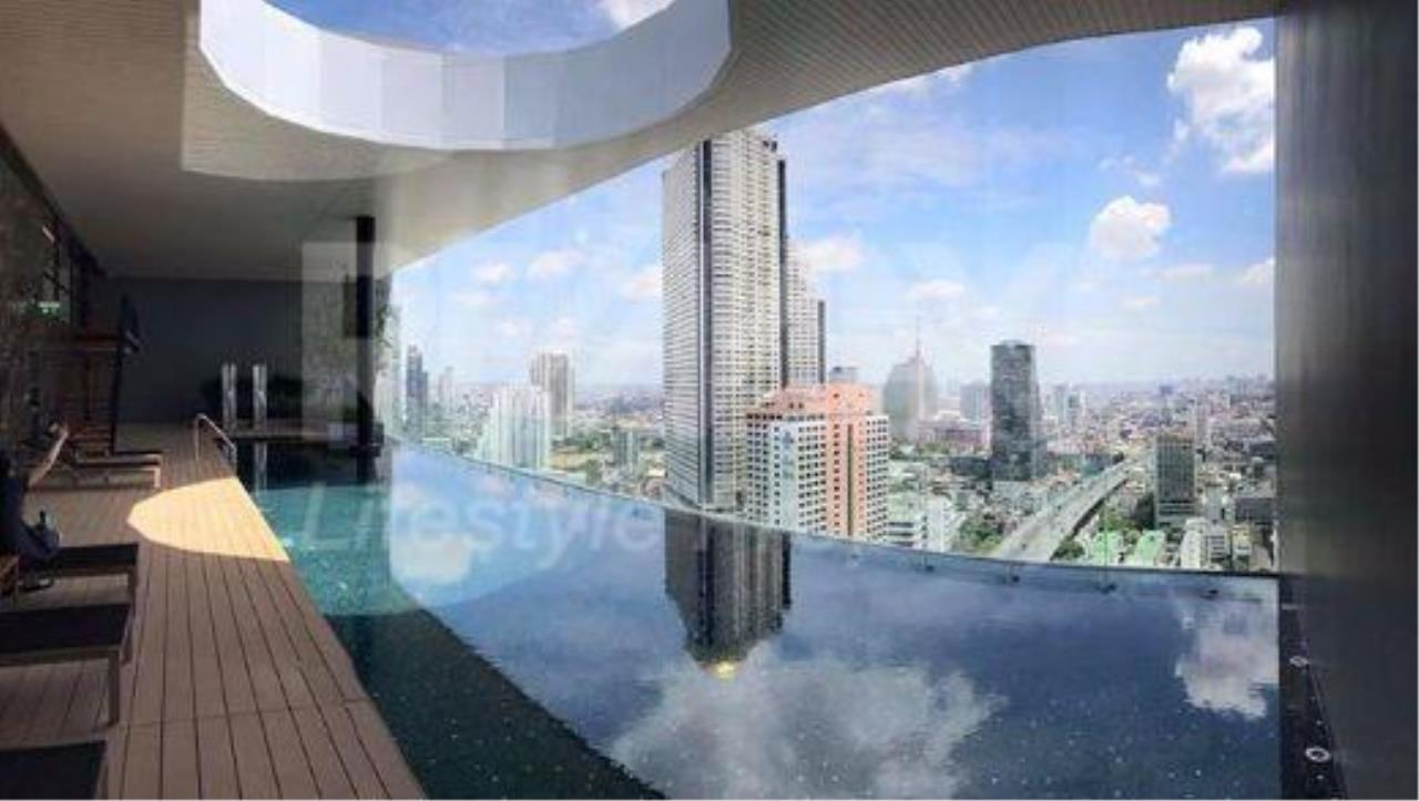 RE/MAX LifeStyle Property Agency's Noble Revo Silom 11