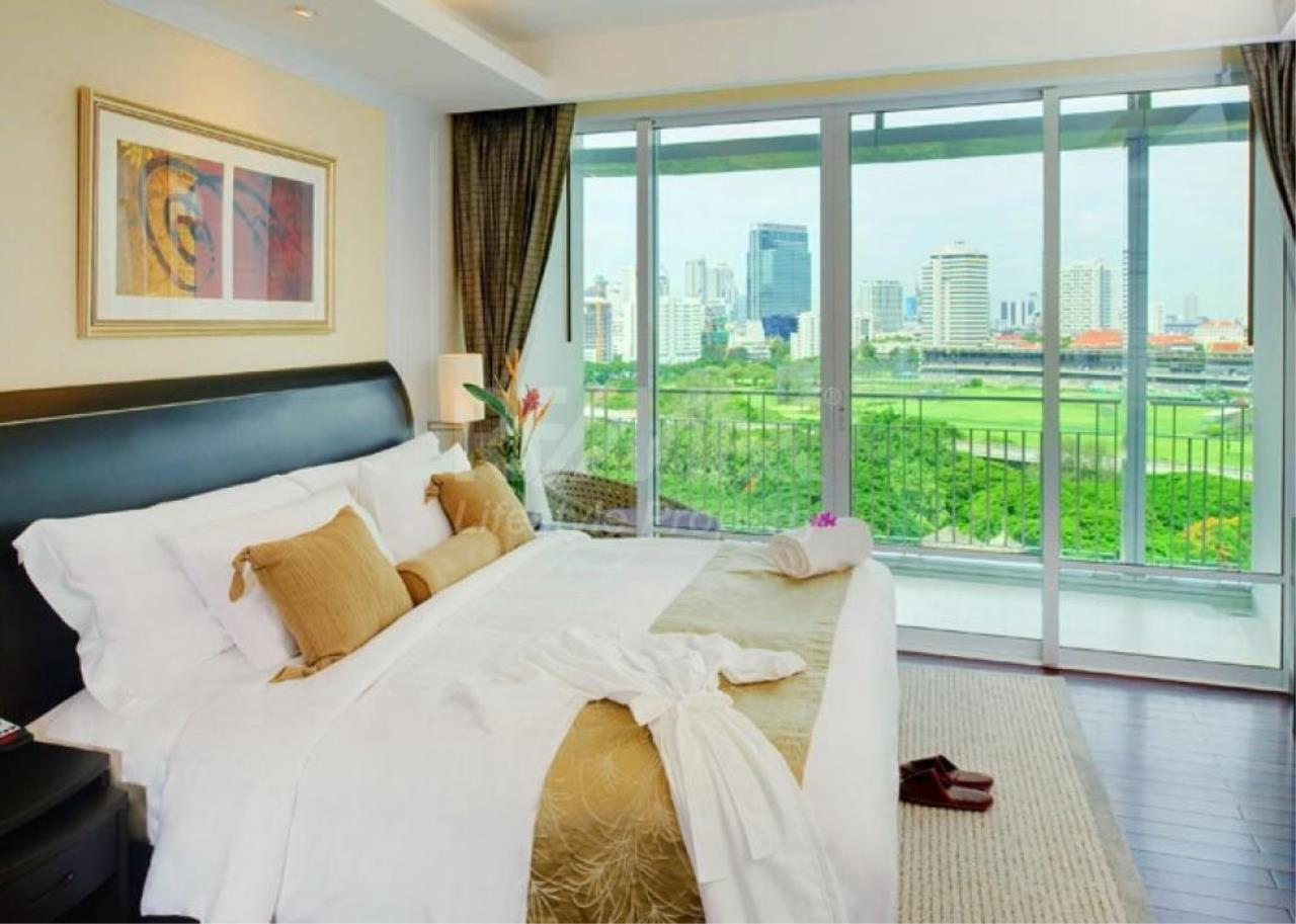 RE/MAX LifeStyle Property Agency's Baan Rajaprasong Service Suites 6