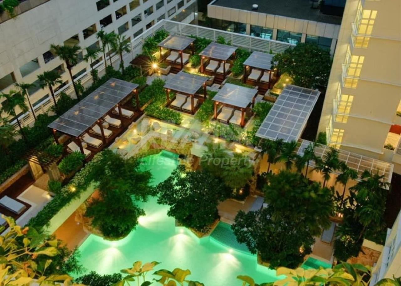RE/MAX LifeStyle Property Agency's Baan Rajaprasong Service Suites 1