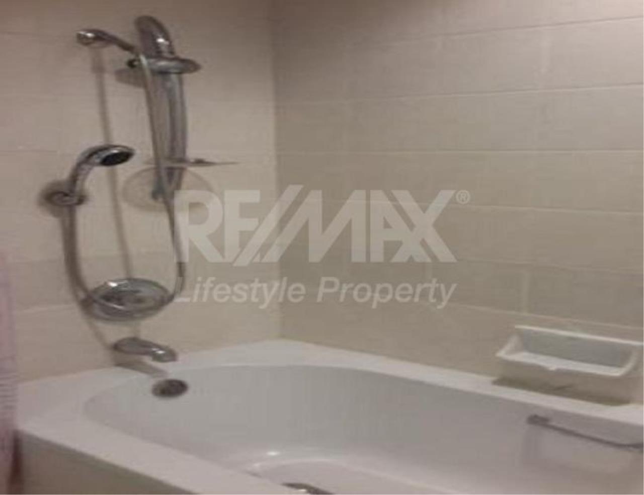RE/MAX LifeStyle Property Agency's Regent Royal Place 2 4