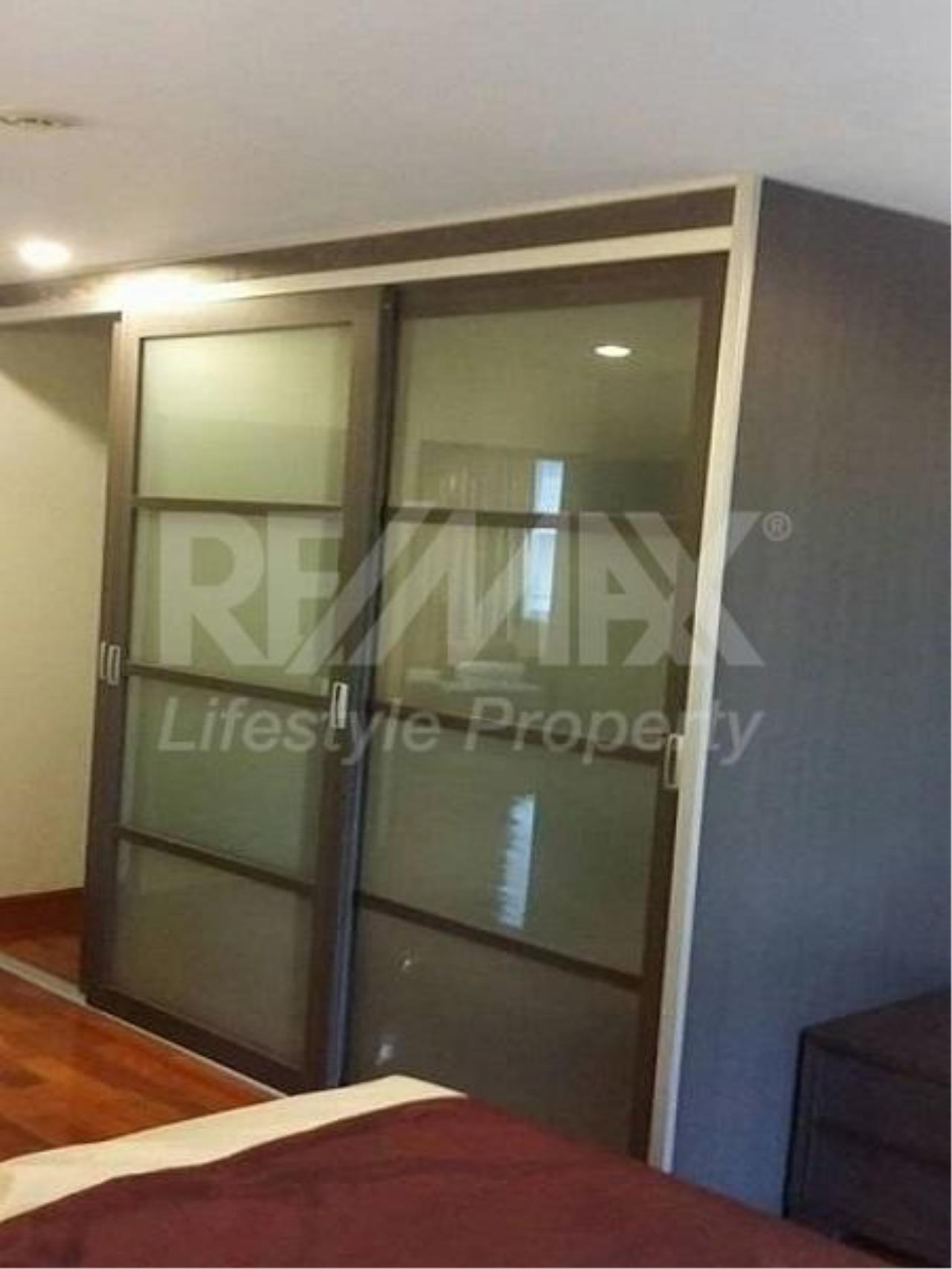RE/MAX LifeStyle Property Agency's The Peak Sukhumvit 15 10