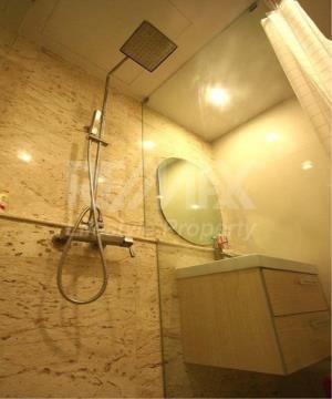 RE/MAX LifeStyle Property Agency's Vinn Sukhumvit 46 5