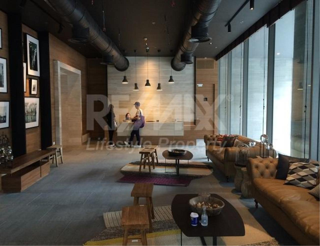 RE/MAX LifeStyle Property Agency's The Lofts Ekkamai 5
