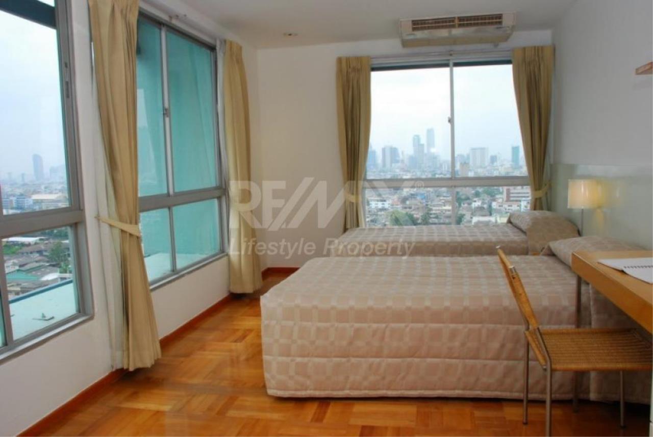 RE/MAX LifeStyle Property Agency's Bangkok Garden Apartment 5