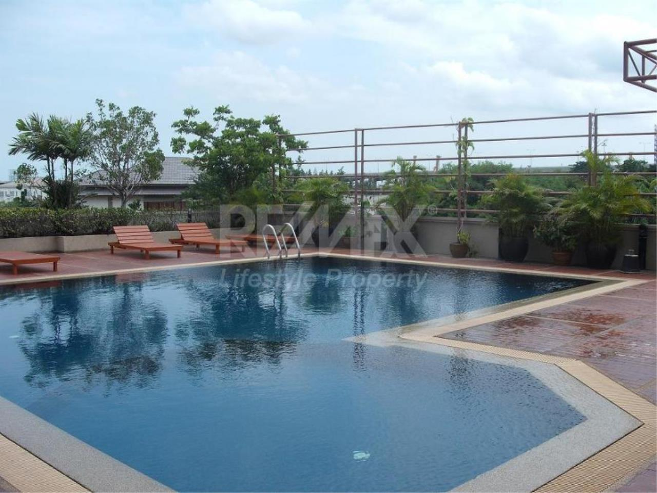 RE/MAX LifeStyle Property Agency's The Roof Garden On Nut 7