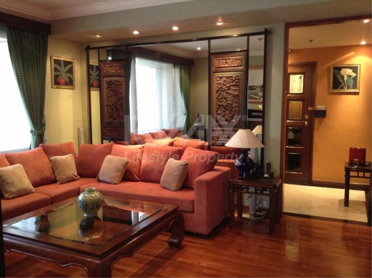 RE/MAX LifeStyle Property Agency's Baan Piya Sathorn 1