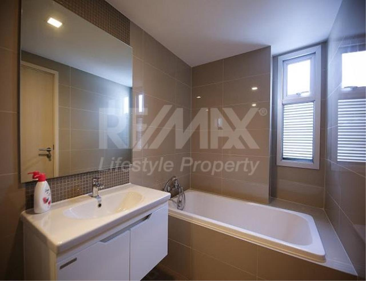 RE/MAX LifeStyle Property Agency's Maestro 39 5