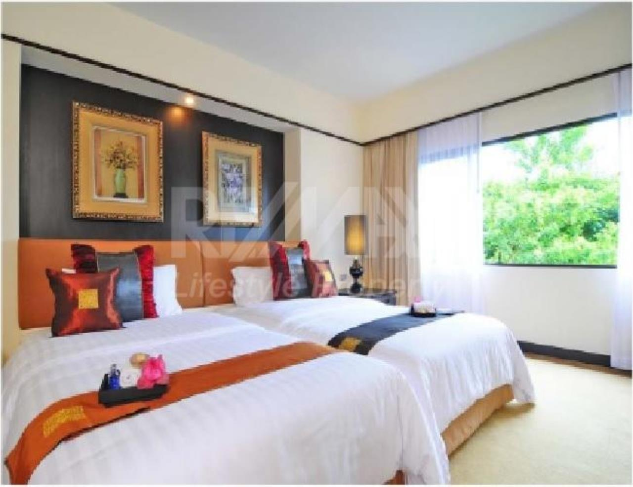 RE/MAX LifeStyle Property Agency's Pantip Suites Sathorn 8