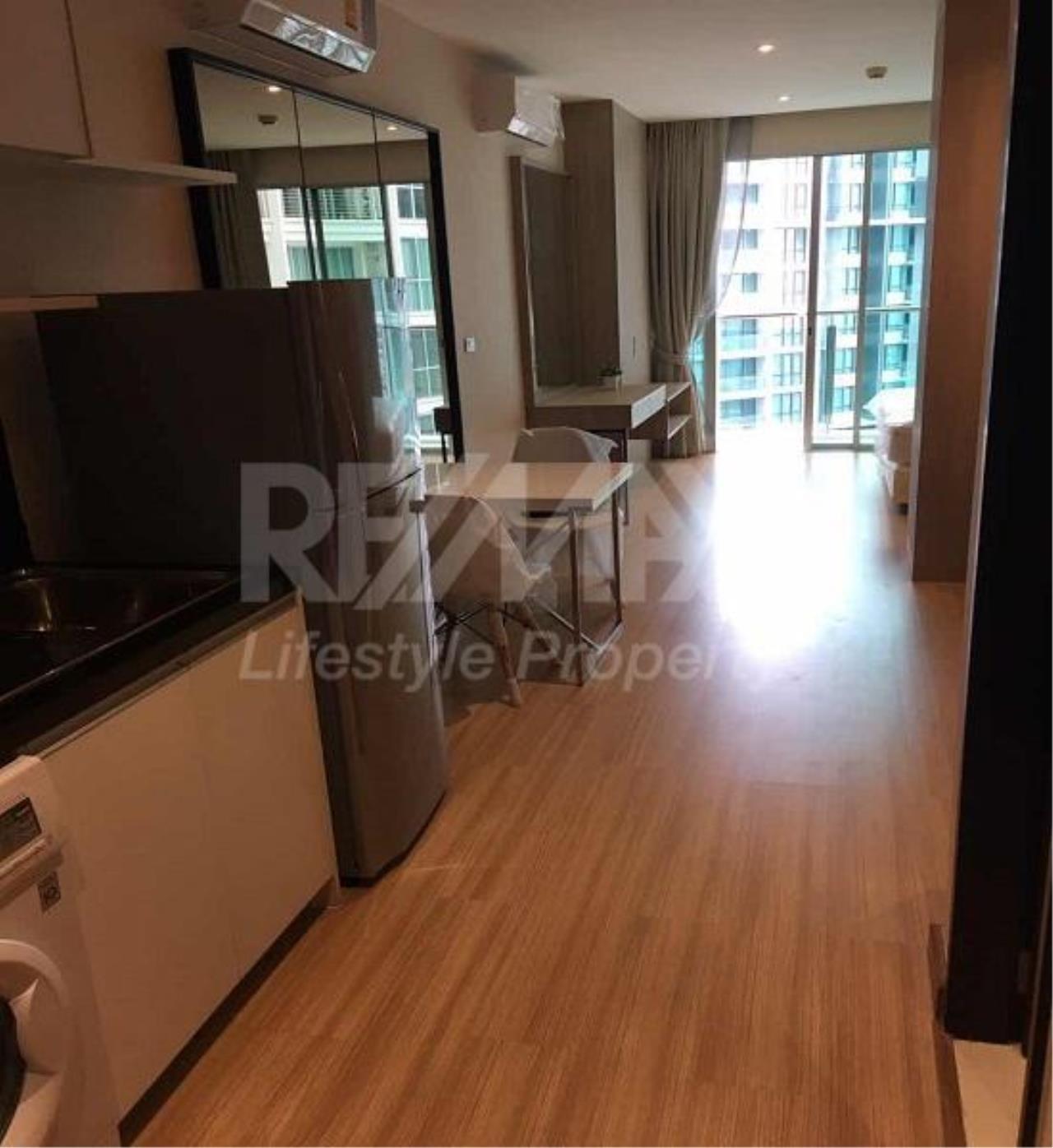 RE/MAX LifeStyle Property Agency's Sky Walk Condominium 14