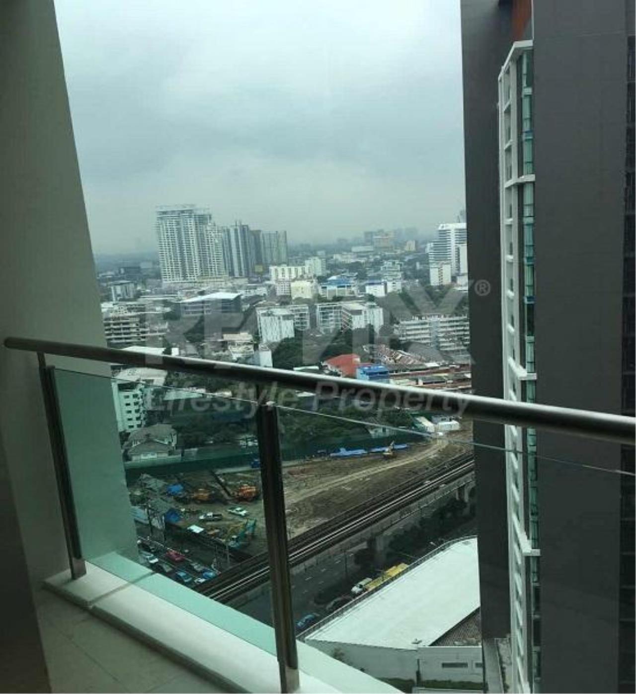 RE/MAX LifeStyle Property Agency's Sky Walk Condominium 4