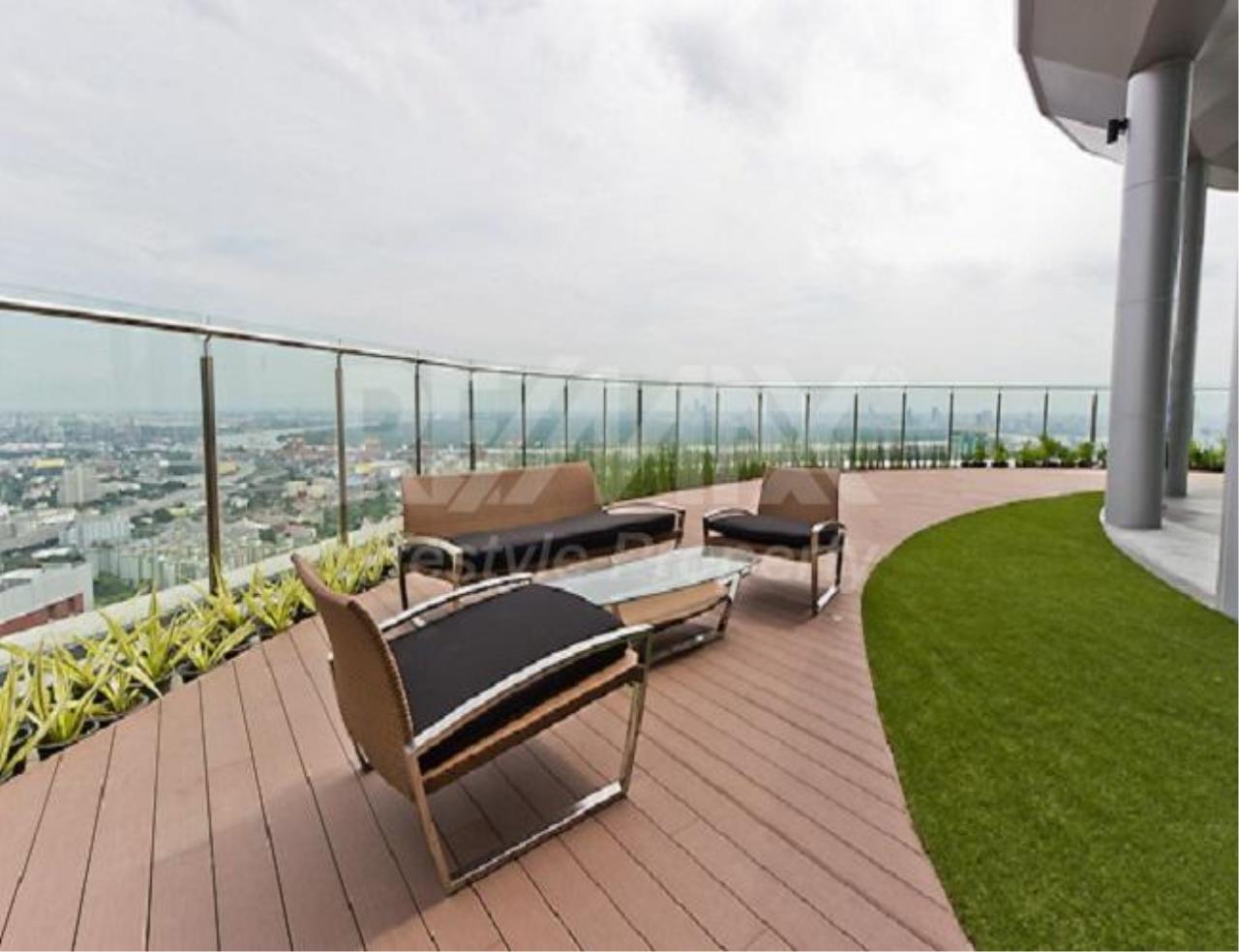 RE/MAX LifeStyle Property Agency's Sky Walk Condominium 1