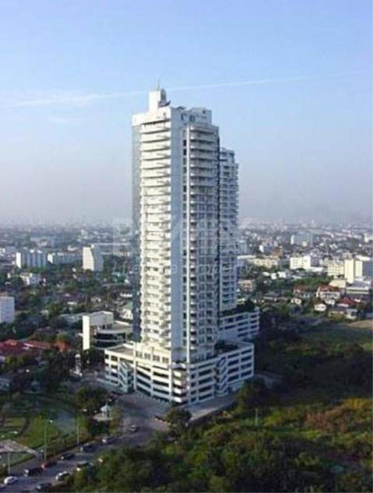 RE/MAX LifeStyle Property Agency's NS Tower 1