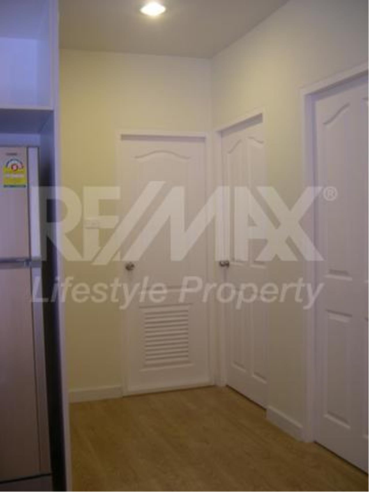 RE/MAX LifeStyle Property Agency's Sathorn Place 6