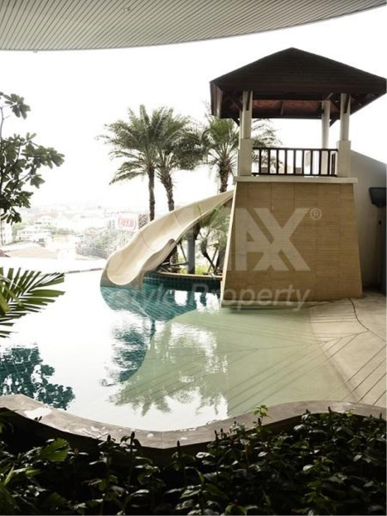 RE/MAX LifeStyle Property Agency's Sky Walk Condominium 6