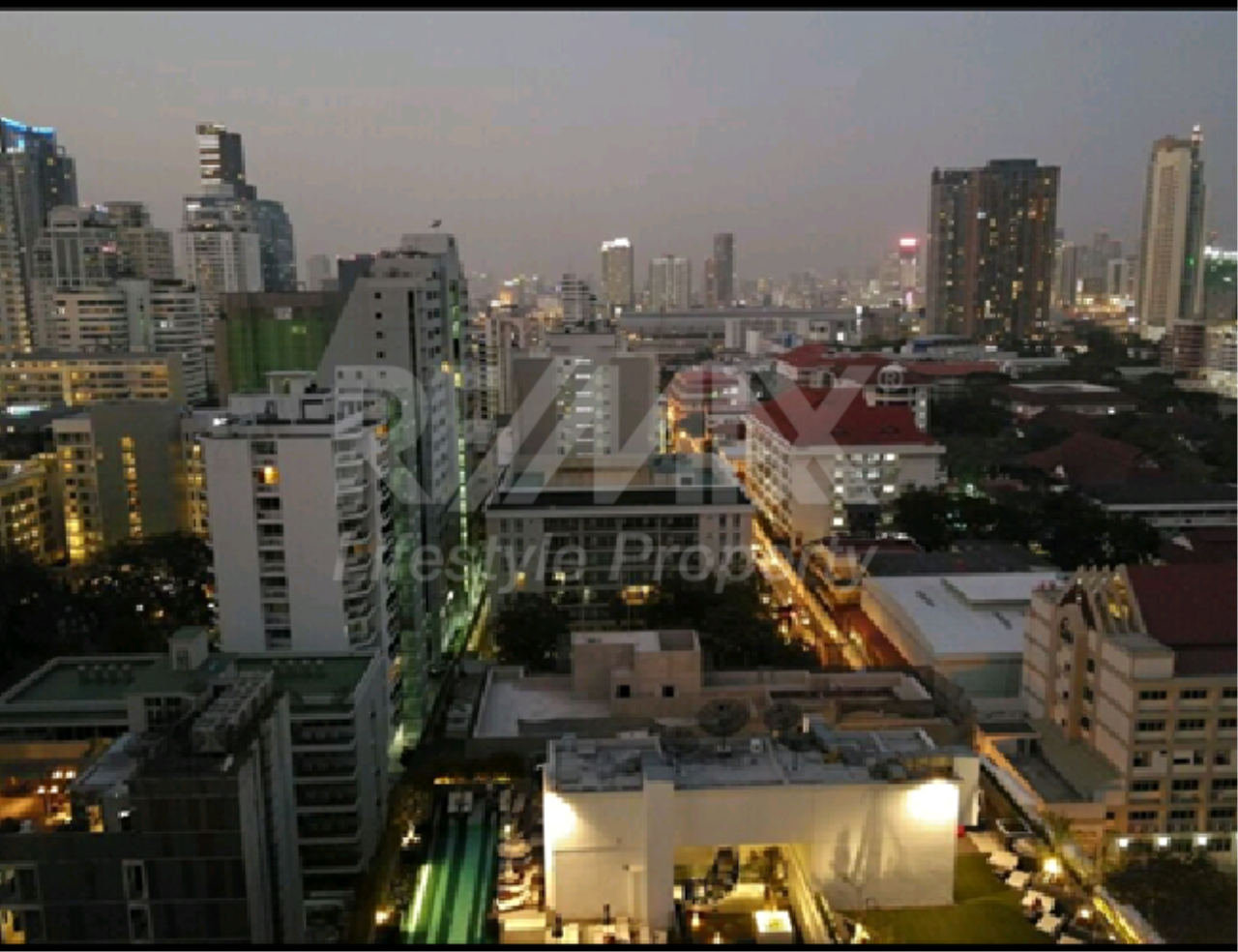 RE/MAX LifeStyle Property Agency's 15 Sukhumvit Residences 1