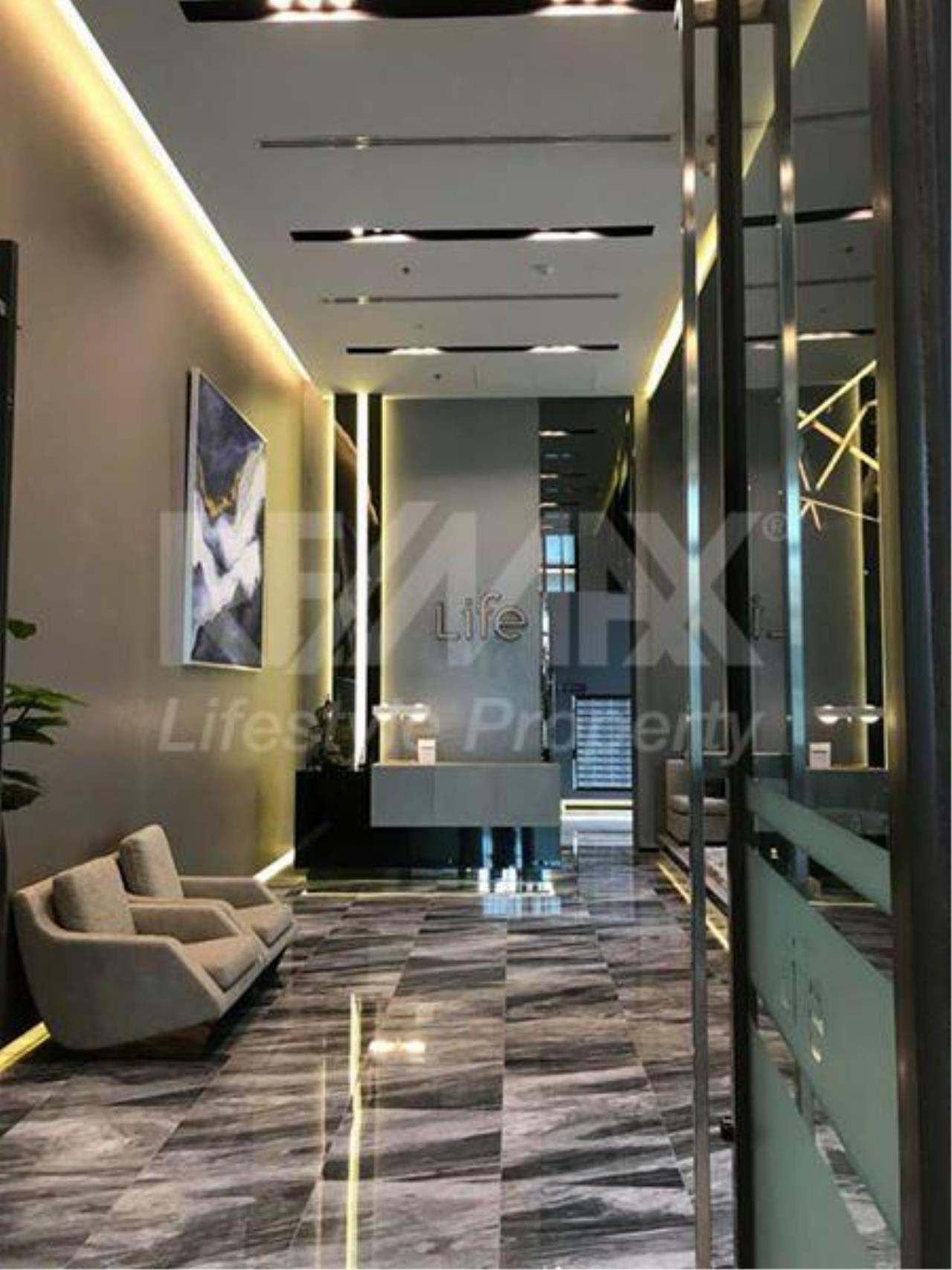 RE/MAX LifeStyle Property Agency's Life Sukhumvit 48 5